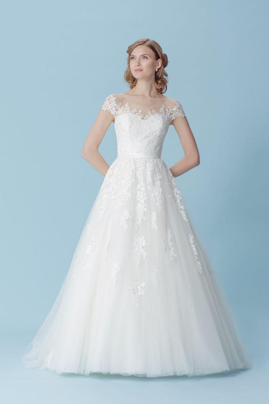 Brautkleider von Victoria & Vincent - Schmetterling Brautkleid aus